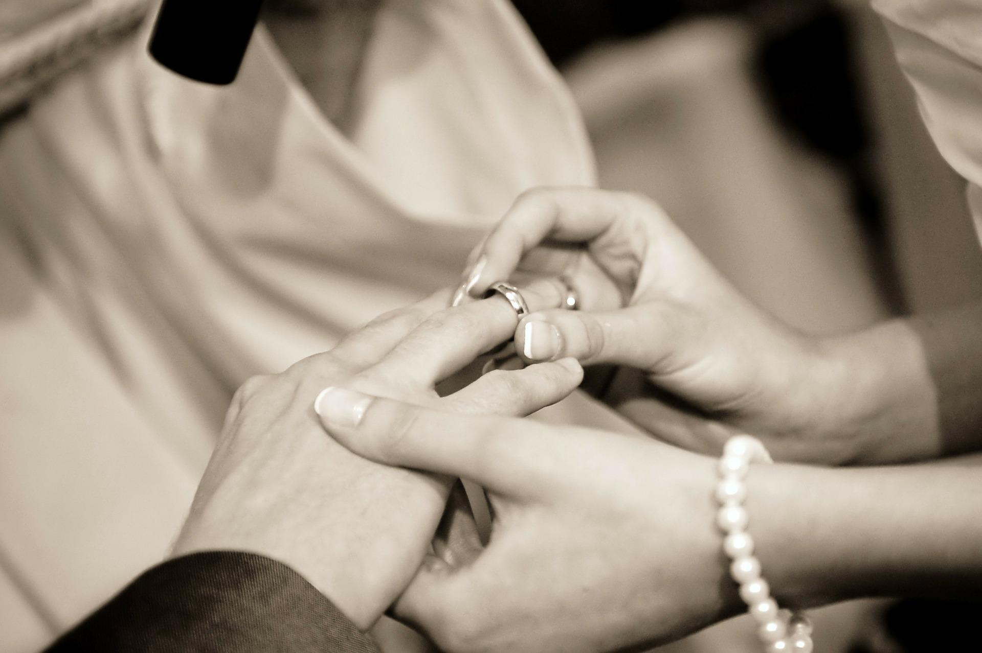 Aborder les préparatifs de son mariage seule