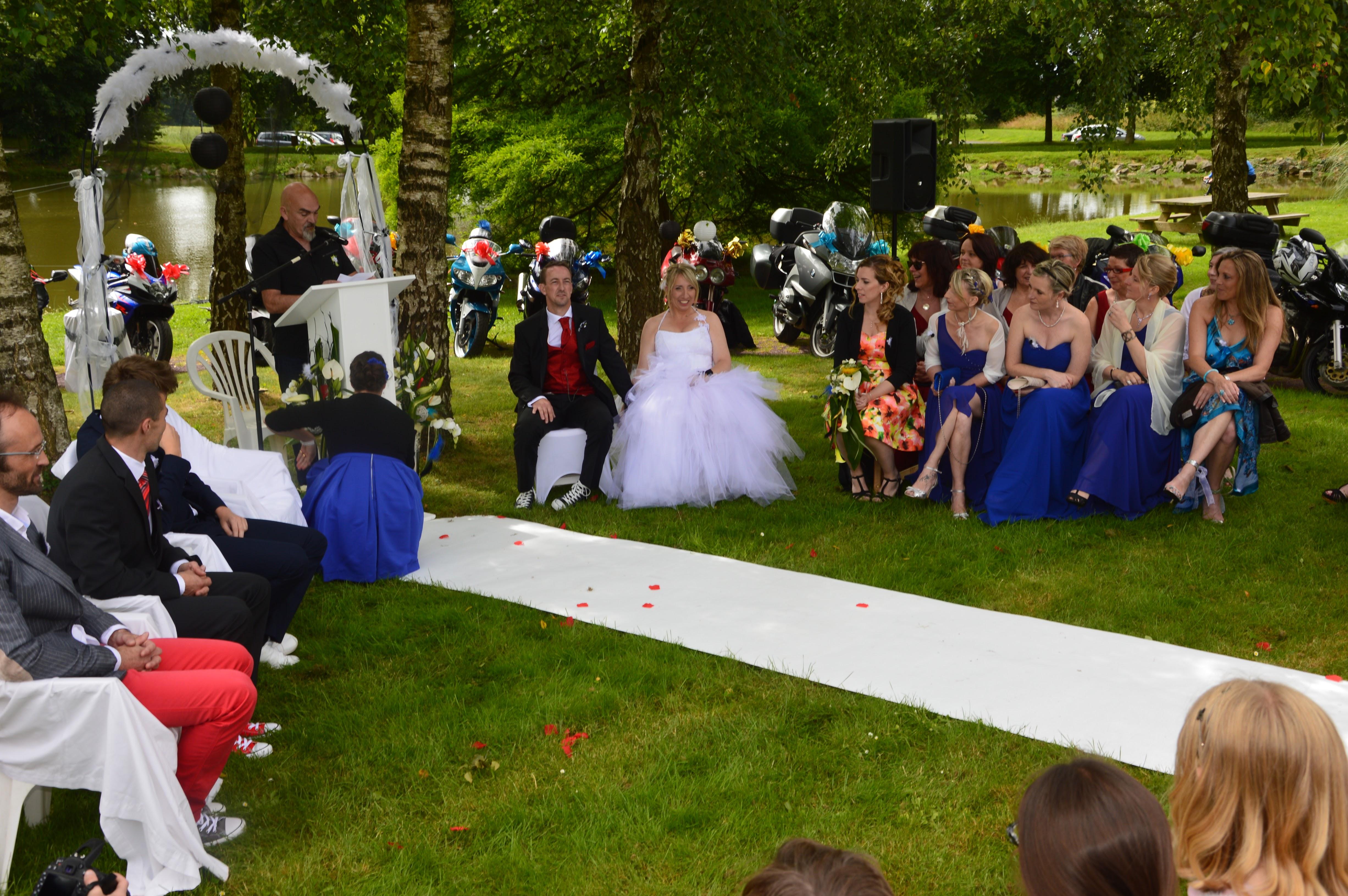 Le mariage de Fina «À vos marques, en moto» !