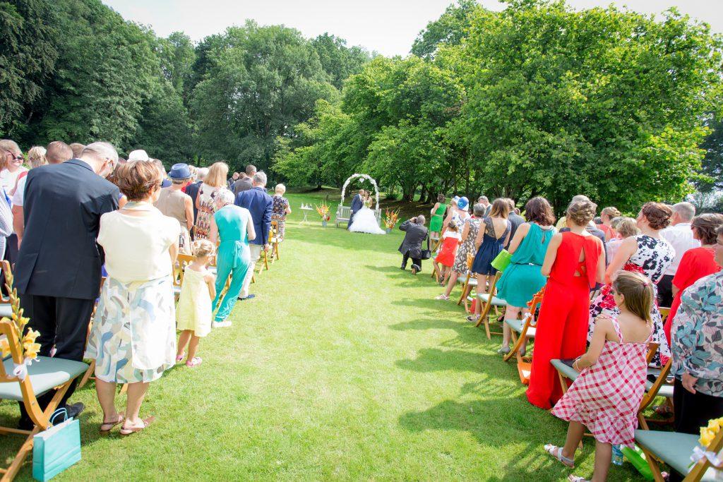 le-mariage-tout-en-couleurs-et-sous-le-signe-du-voyage-de-mms-7