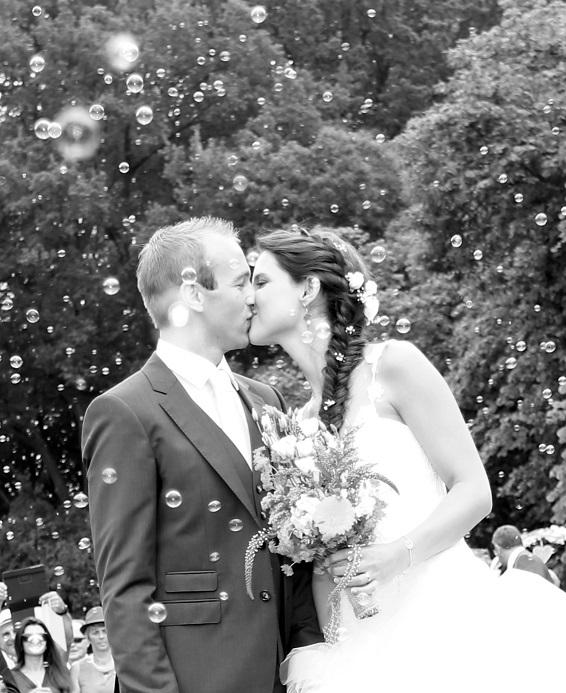 le-mariage-tout-en-couleurs-et-sous-le-signe-du-voyage-de-mms-8