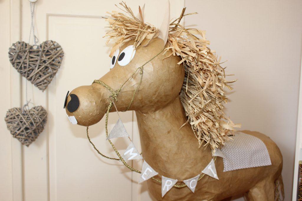 Un livre d'or DIY et une urne en forme de cheval pour mon mariage !