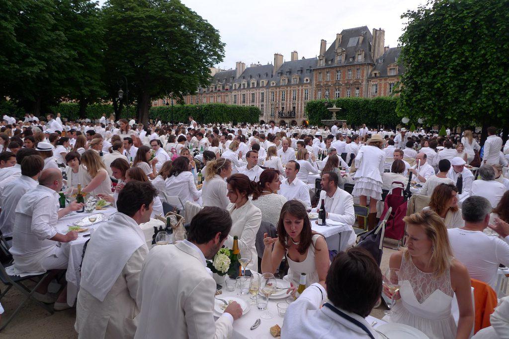 Gérer les réponses des invités au mariage
