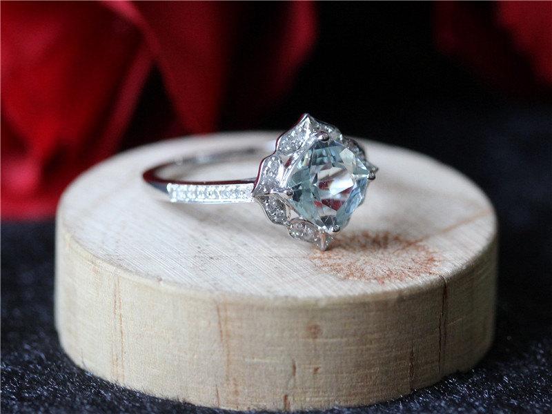 18 magnifiques bagues de fiançailles pour rêver en regardant ta main
