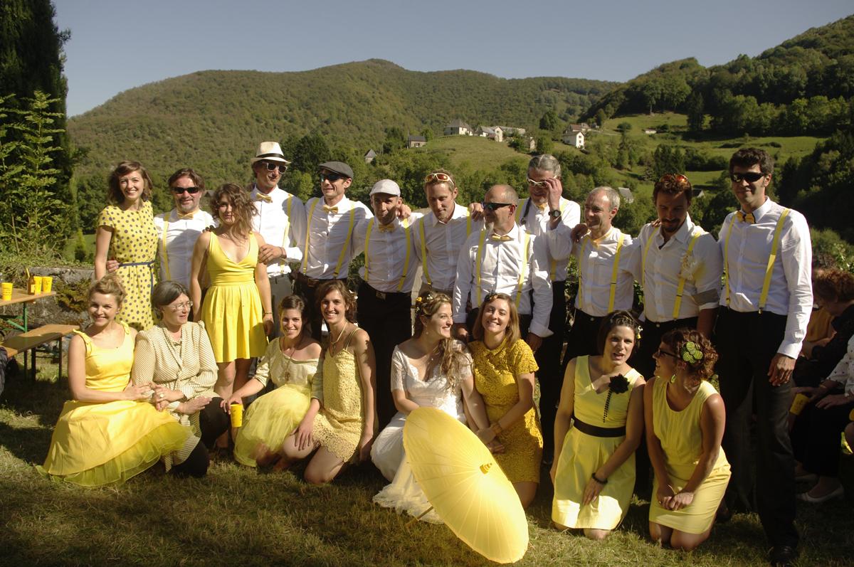 Le mariage en jaune et blanc d'Emma, à l'esprit rétro guinguette chic !