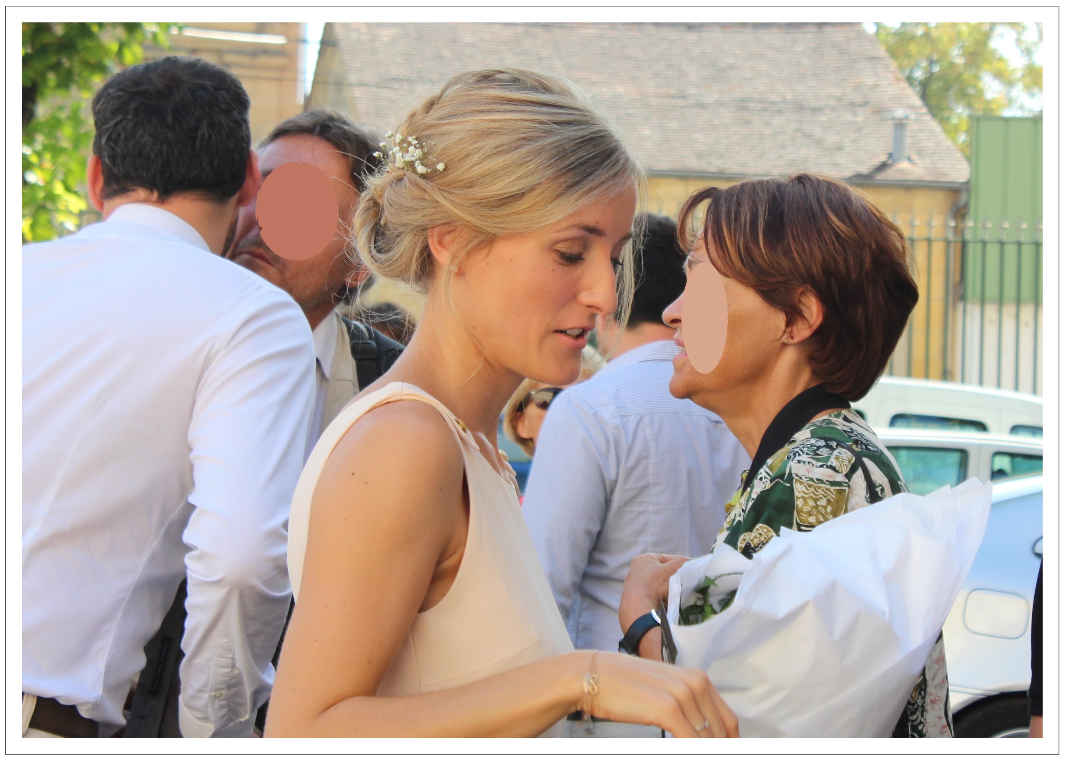 Mon mariage de fin d'été : sur le parvis de la mairie