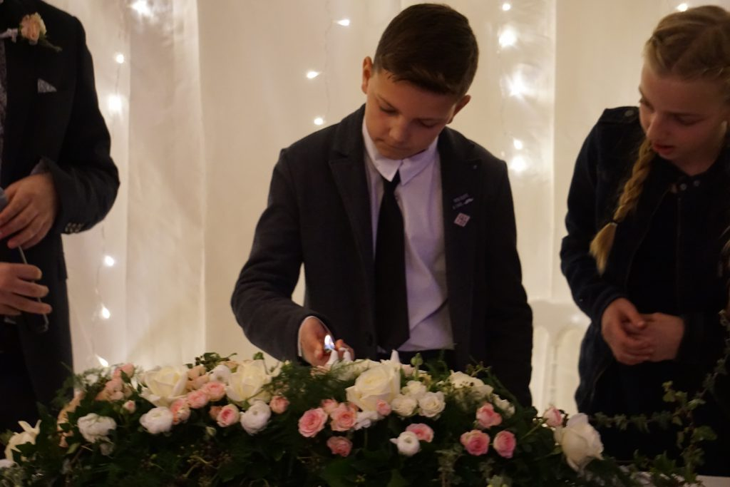 Cérémonie laïque à la lueurs des bougies - Mme Origan