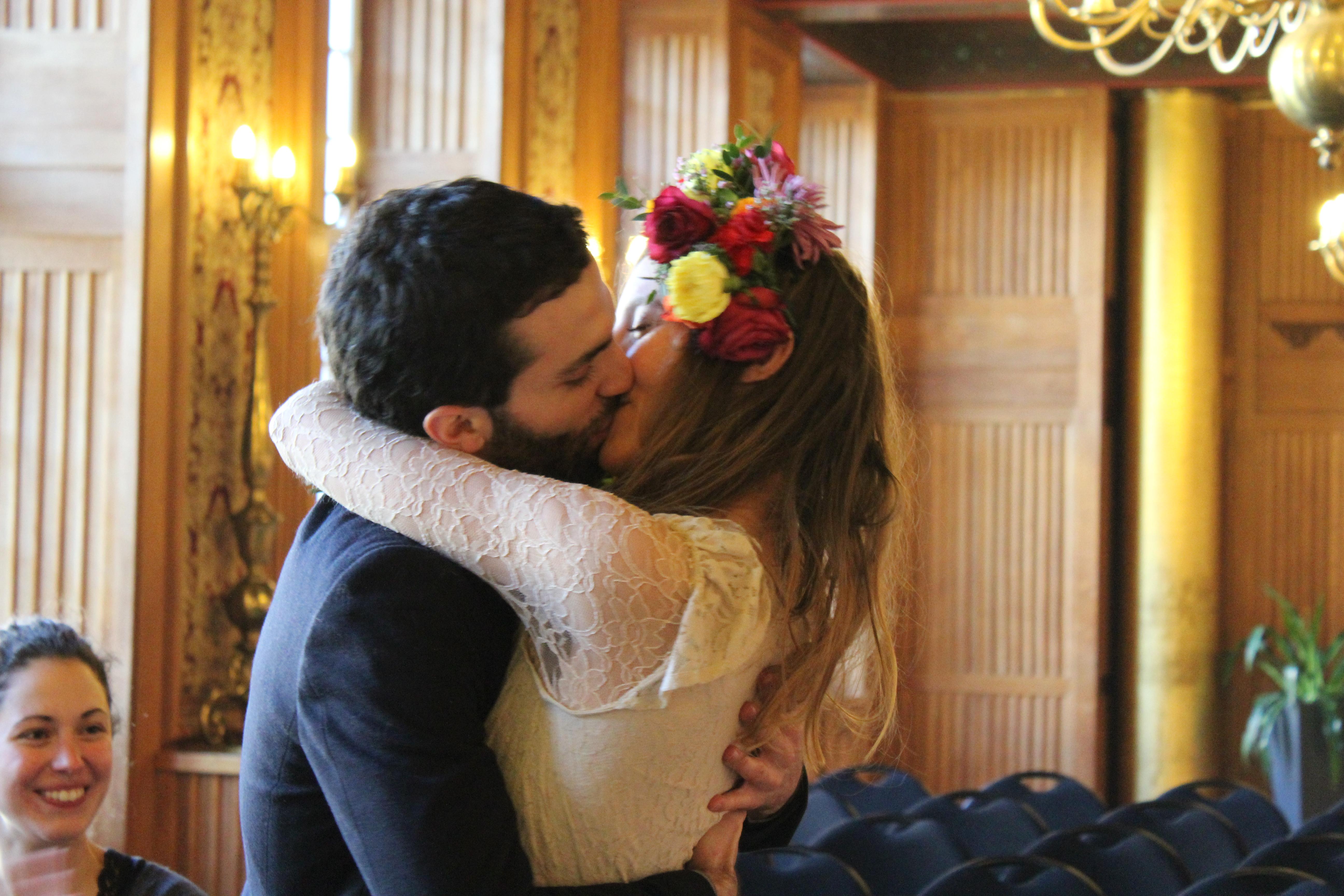 Mon mariage civil bohème en pleine ville – On se dit oui !