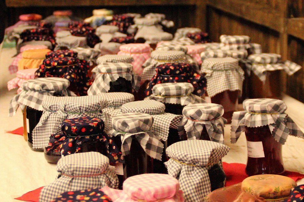 Confitures maison pour cadeaux d'invités de mariage