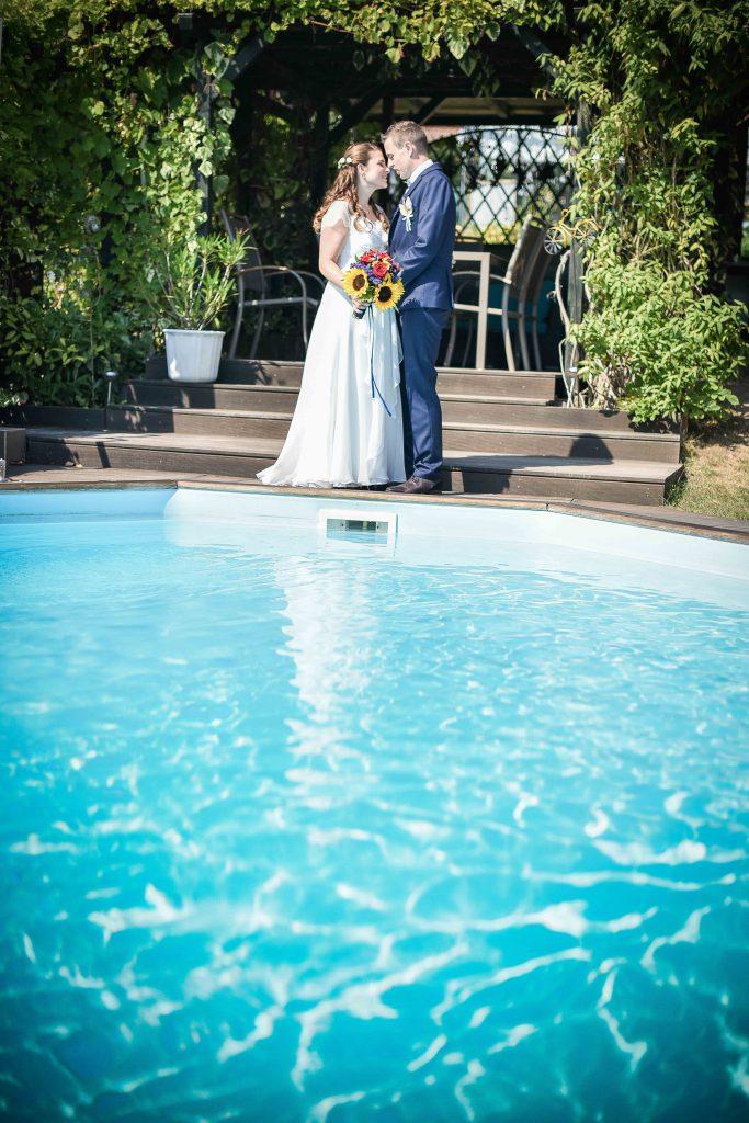 Nos photos de couple dans le jardin familial // Photo : Valentine Poulain