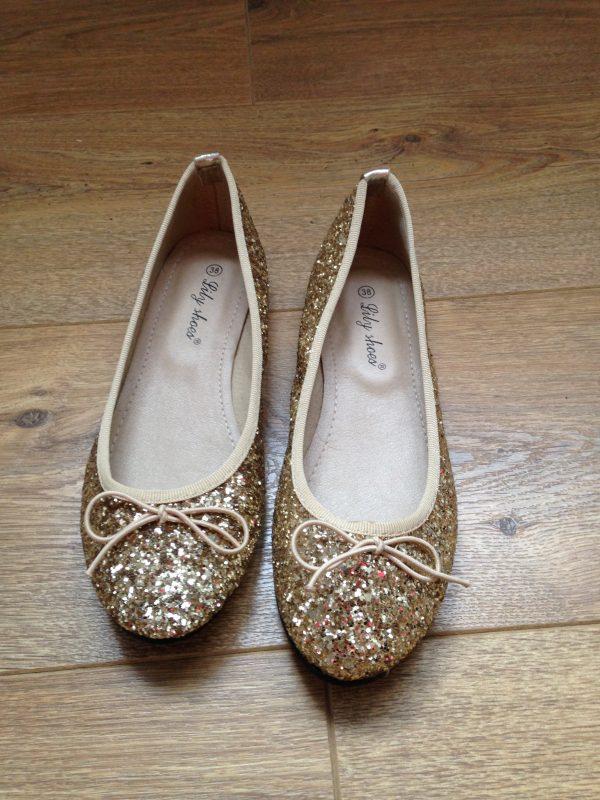 Accessoires de la mariée ballerines paillettes dorées