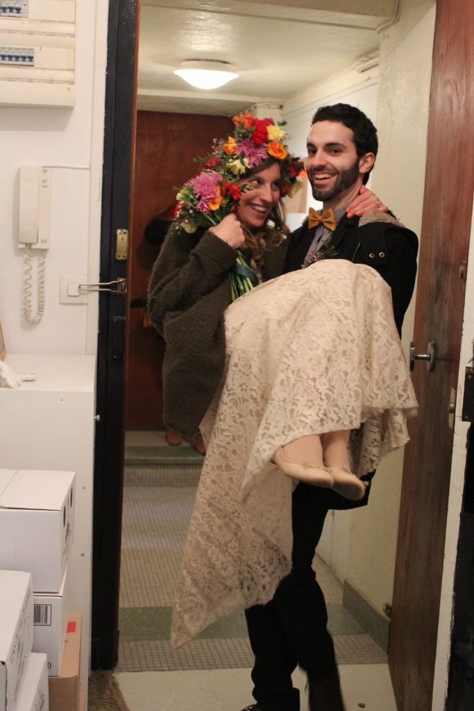 Mme Loup et son mari arrivent chez eux