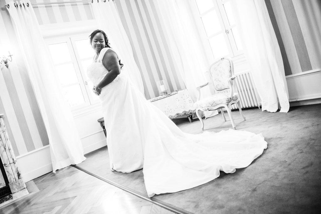 Préparatifs de la mariée // Photo : Vincent Besson Photographie
