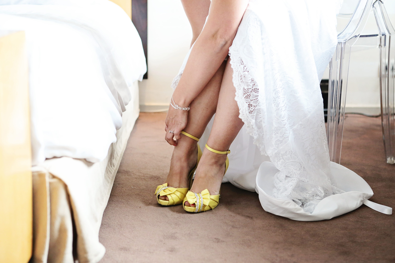 Mon mariage rétro chic en jaune et gris : le jour J – Partie 1