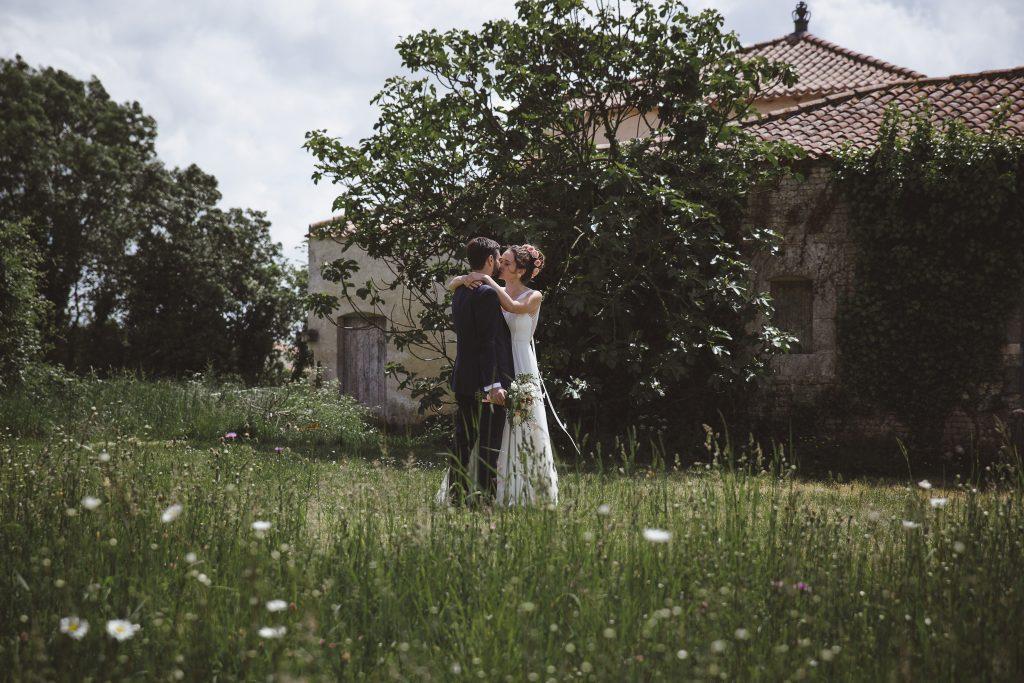 Mon mariage dino-chic : notre découverte dans le jardin