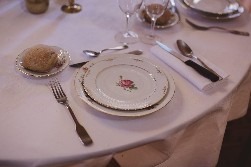 Décoration de table champêtre et vintage // Photo : La Femme Gribouillage