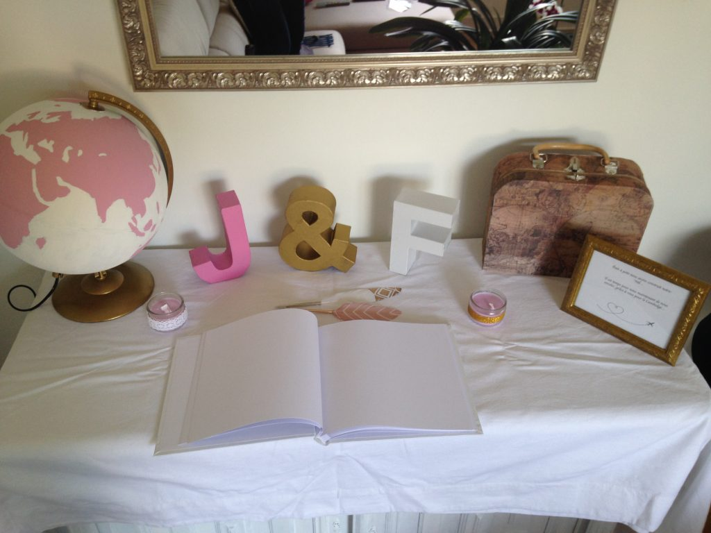 DIY : la table de l'urne et du Livre d'Or