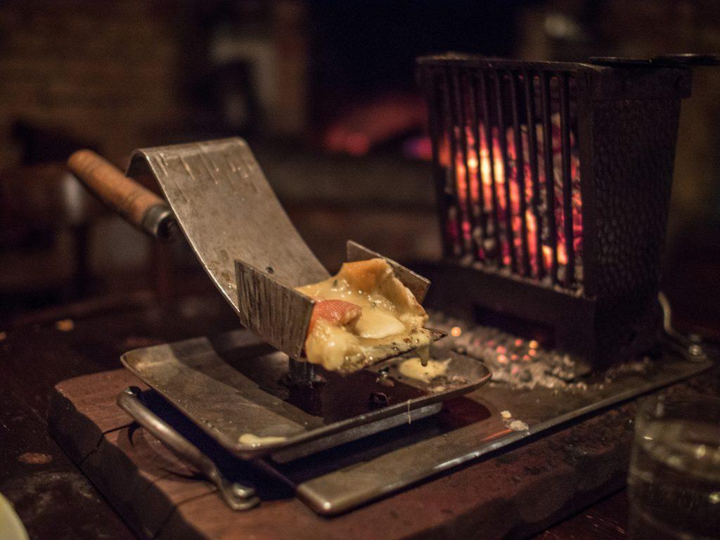 Proposer une raclette comme repas de mariage