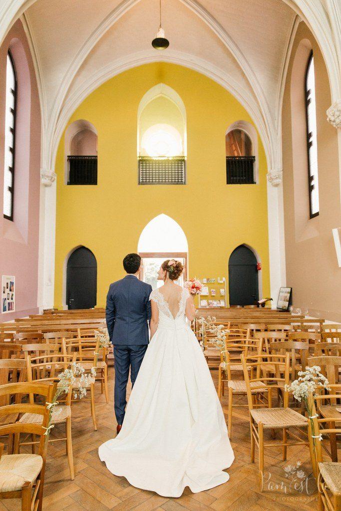 Notre sortie de l'église : bulles et musique // Photo : Pam est là - photographe