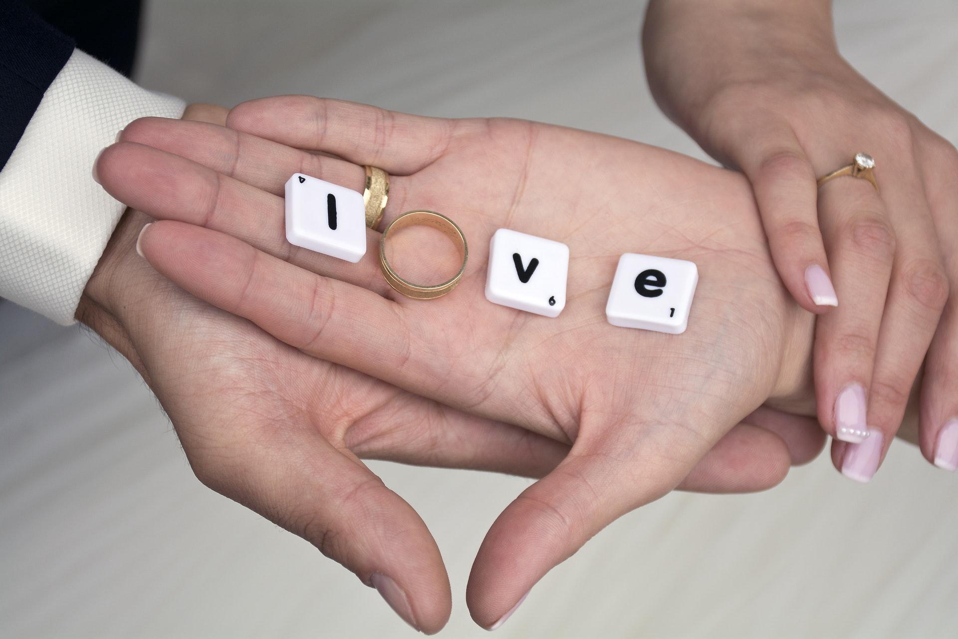 Se marier à l'église par amour et non par convictions