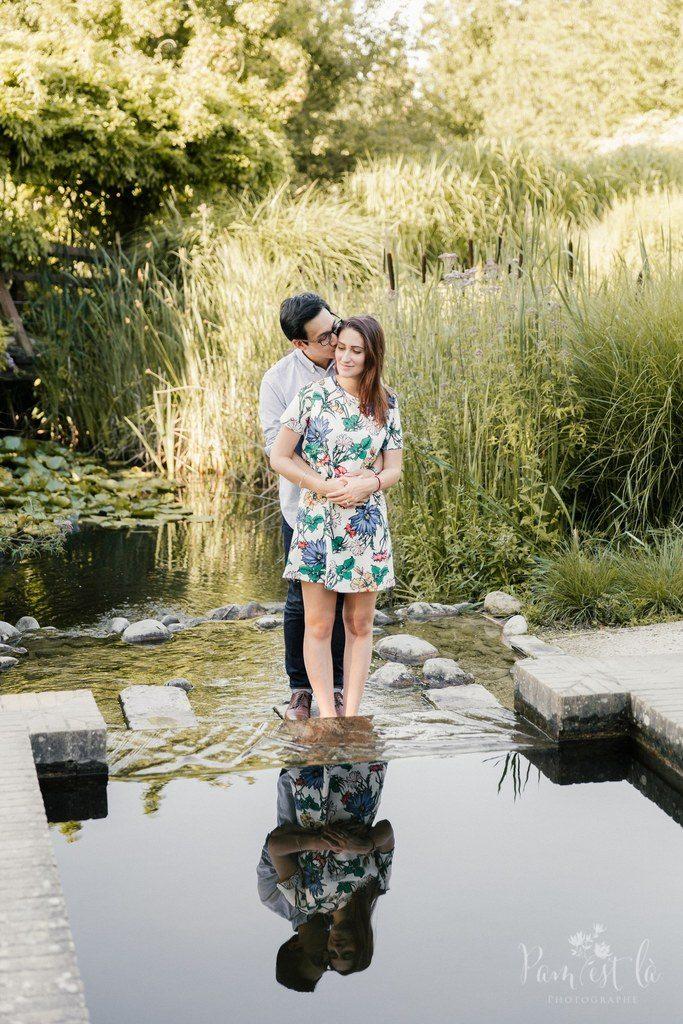Séance photo d'engagement naturelle et romantique // Photo : Pam est là - photographe