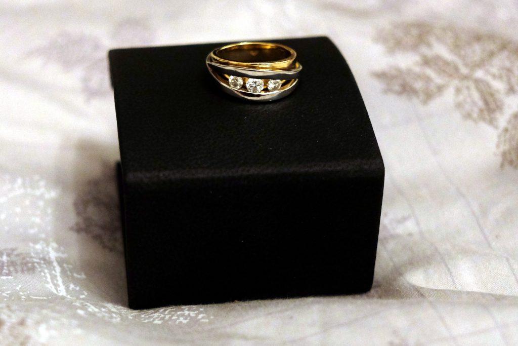 Le choix difficile de nos bijoux de fiançailles