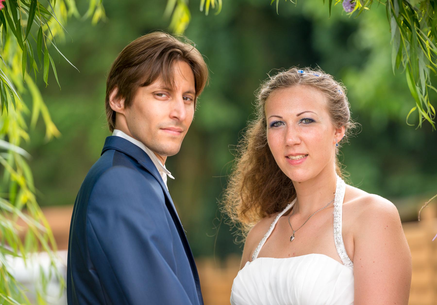 Mon mariage champêtre saupoudré de touches geek : nos photos de couple et notre arrivée à la salle