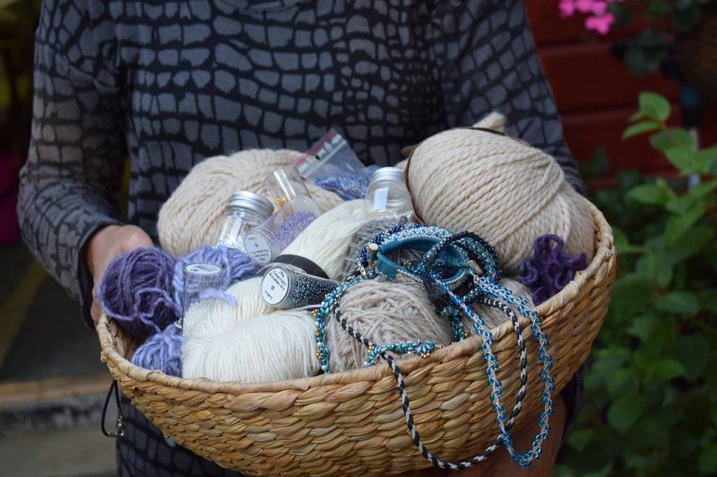 Exemples de rituel pour cérémonie laïque : tisser des liens en laine