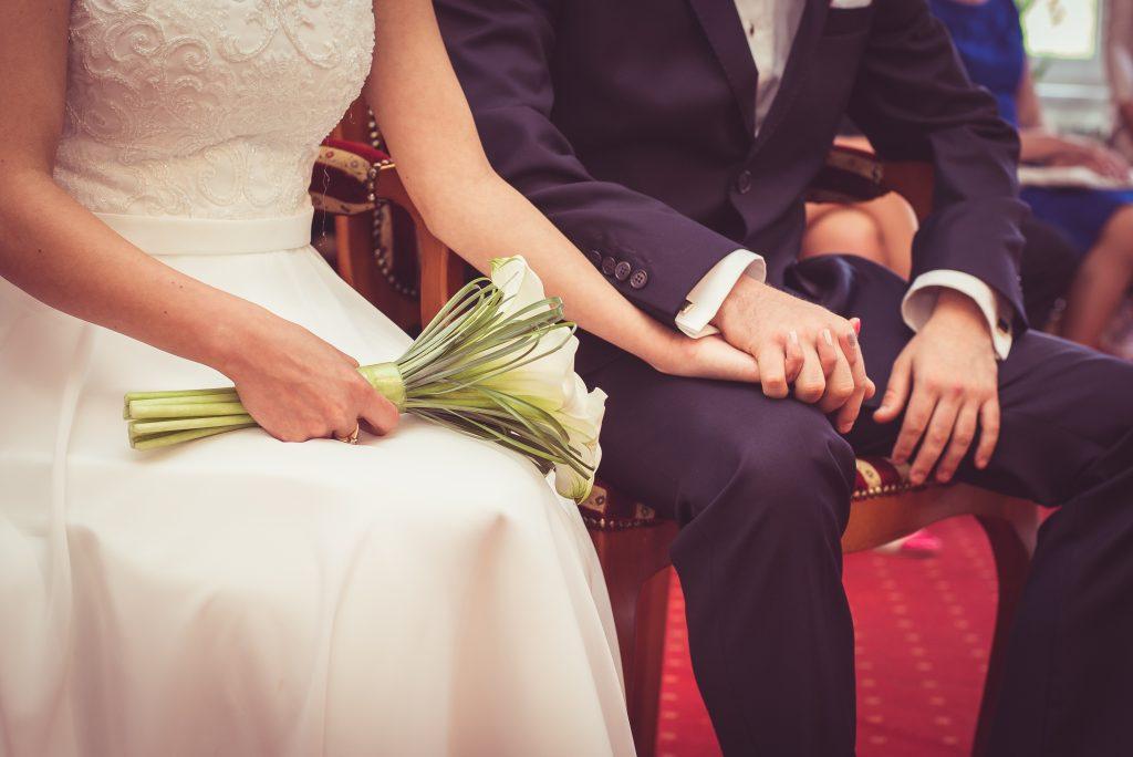 Choisir son prêtre pour le mariage à l'église