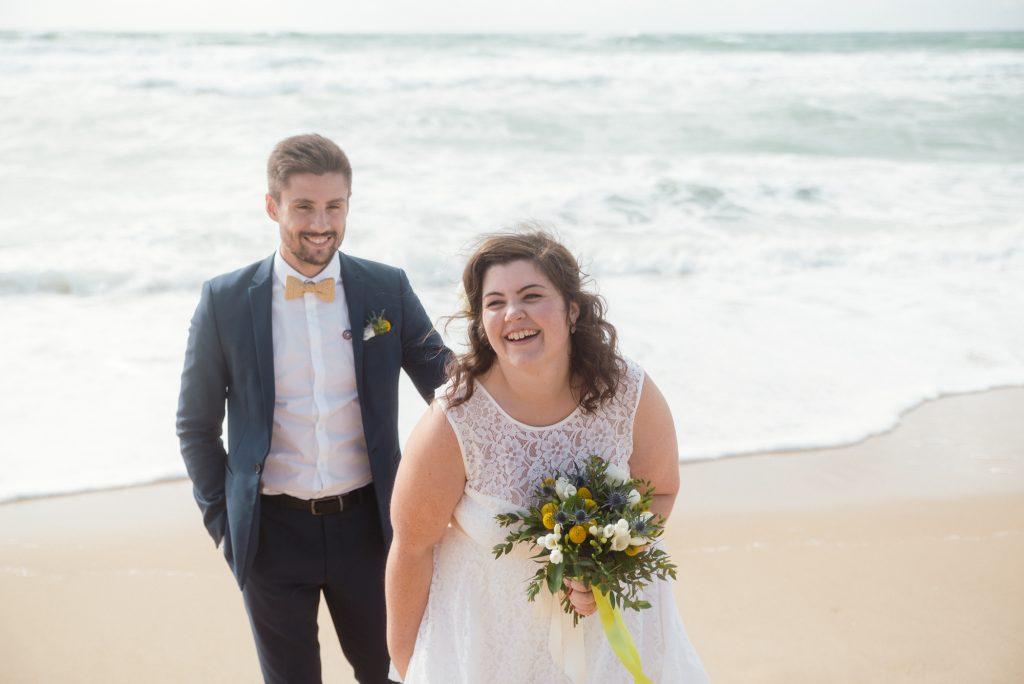 Mon mariage civil au bord de l'océan : nos photos de couple sur la plage