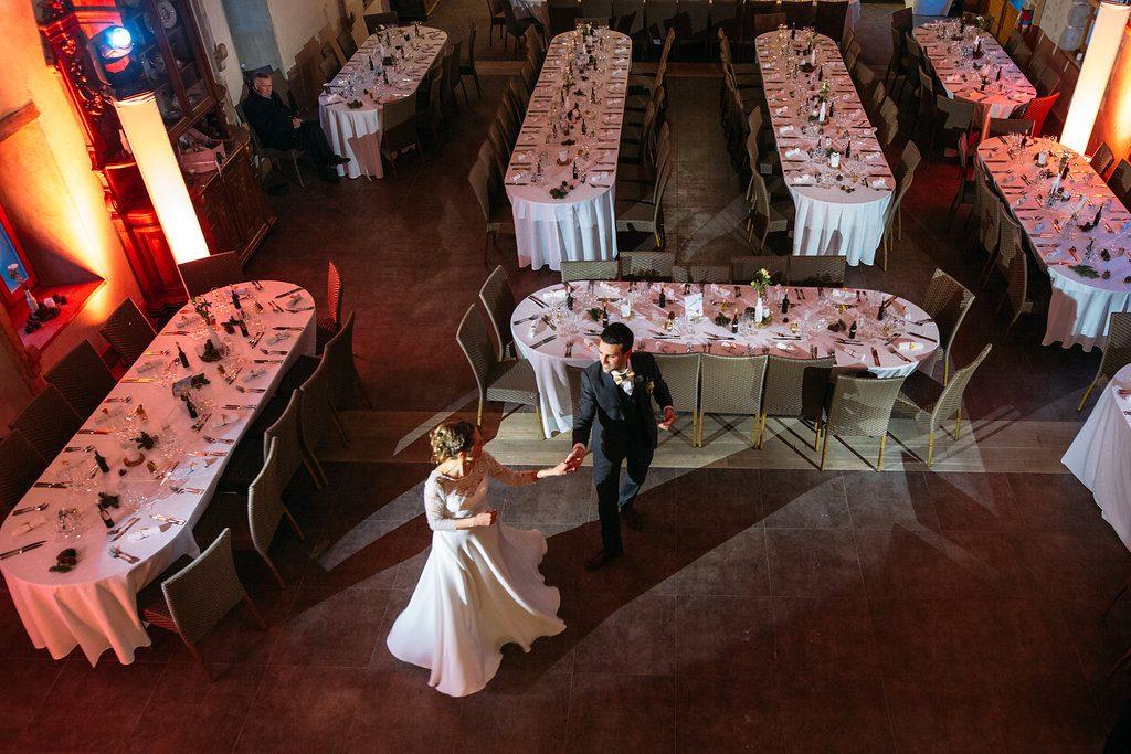 Valse des mariés à la montagne // Photo : Margaux Vié - Studiohuit