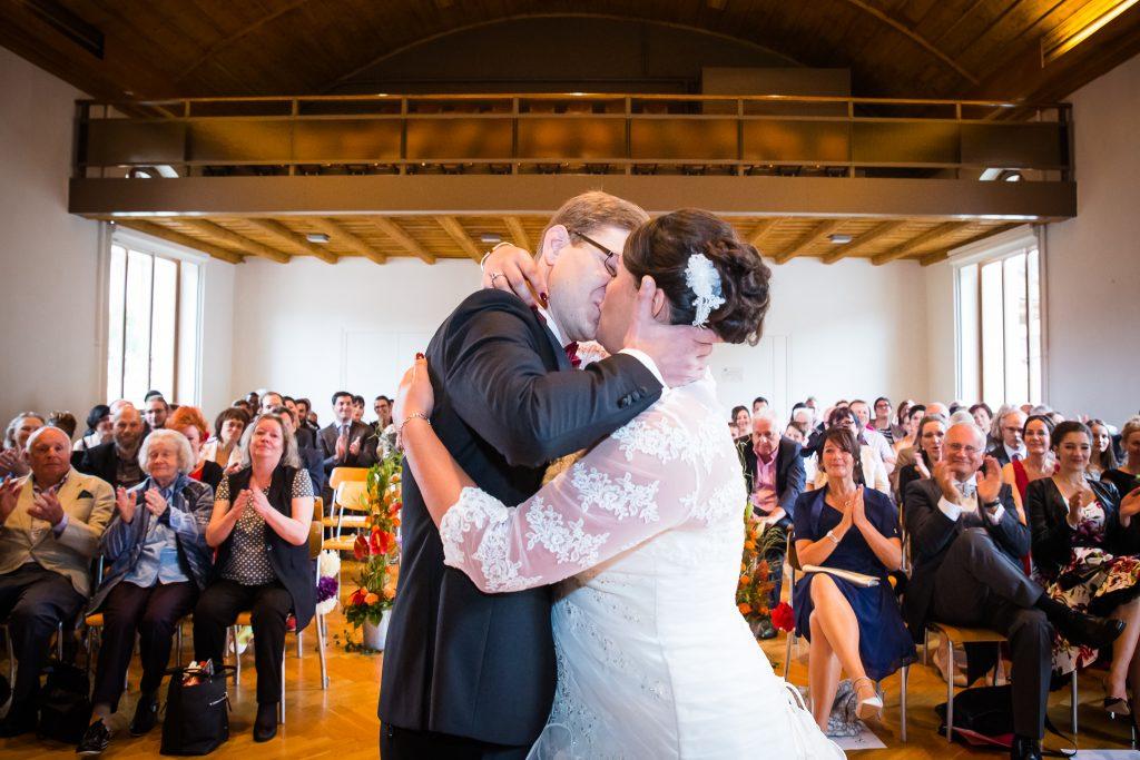 Notre cérémonie laïque : les discours et nos vœux // Photo : Isabelle Chatellier Weddings