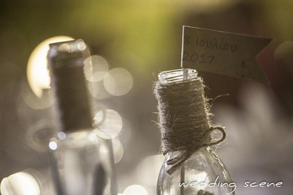 Nos noms de table bouteille à la mer DIY // Photo : Wedding Scene