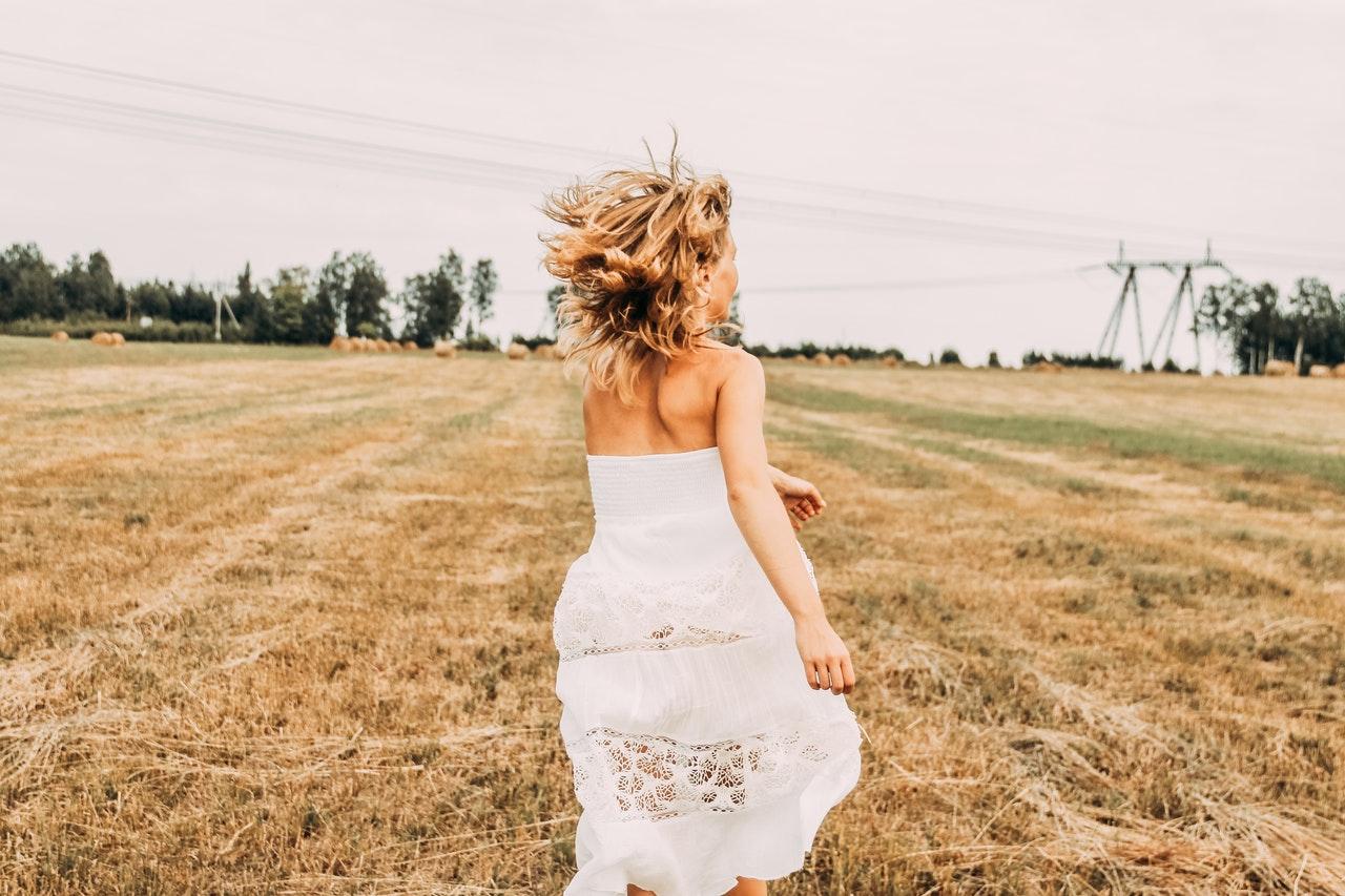 Ton mariage est prévu cet été et tu aimerais devenir chroniqueuse ? C'est à toi !