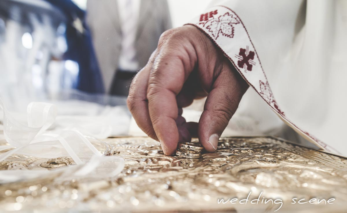 Notre cérémonie de mariage grec orthodoxe // Photo : Wedding Scene