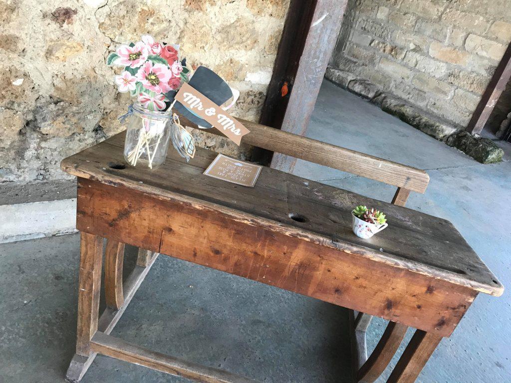 Mise en place de ma décoration de mariage // Photo : Florent Travia