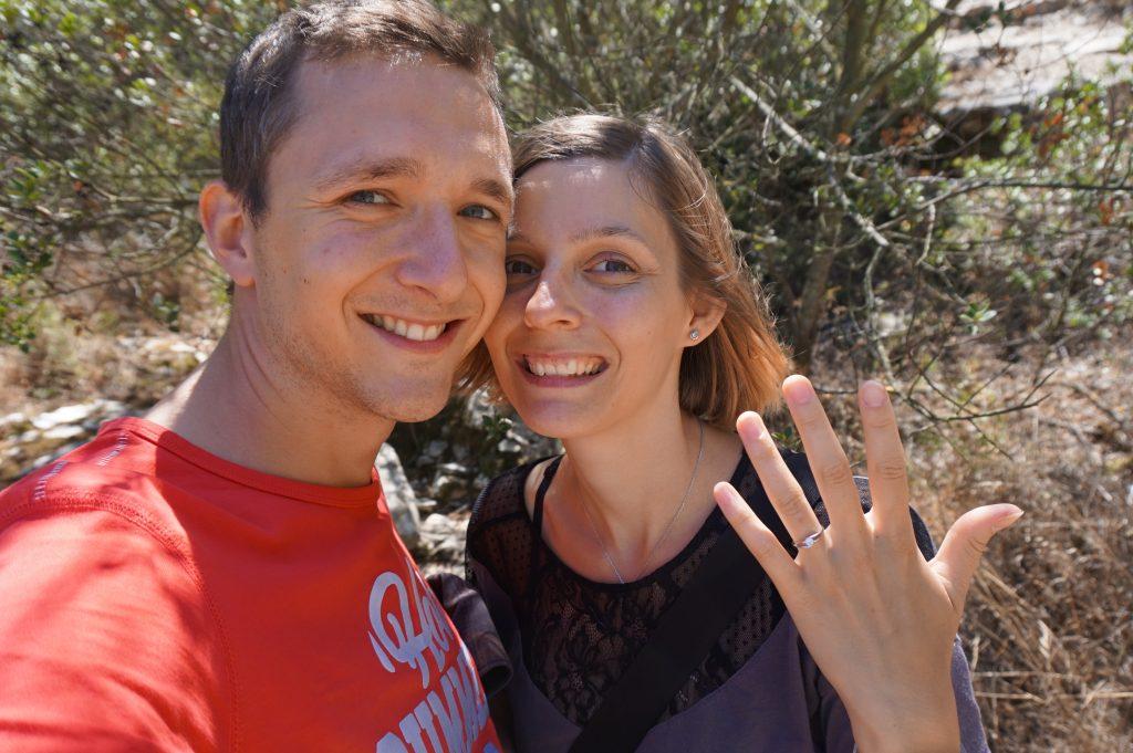 Demande en mariage en pleine randonnée