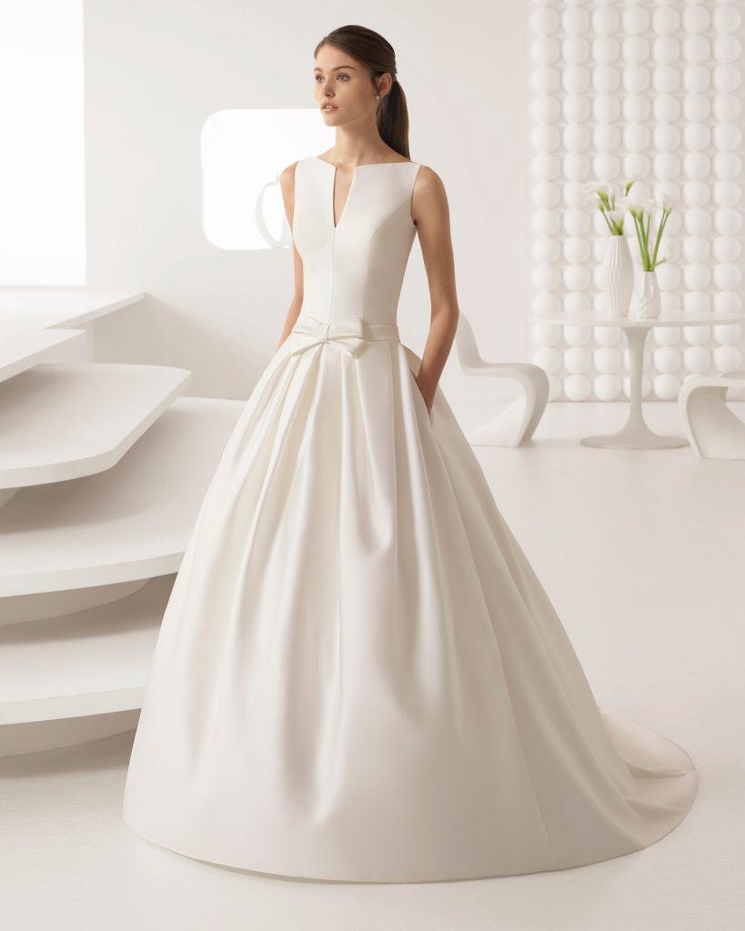Essayages de robes de mariée en Espagne
