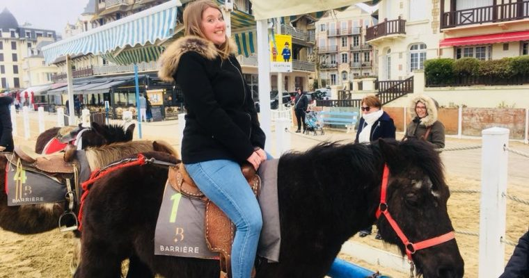 Mon enterrement de vie de jeune fille : cocooning, Hugh Grant & poney !