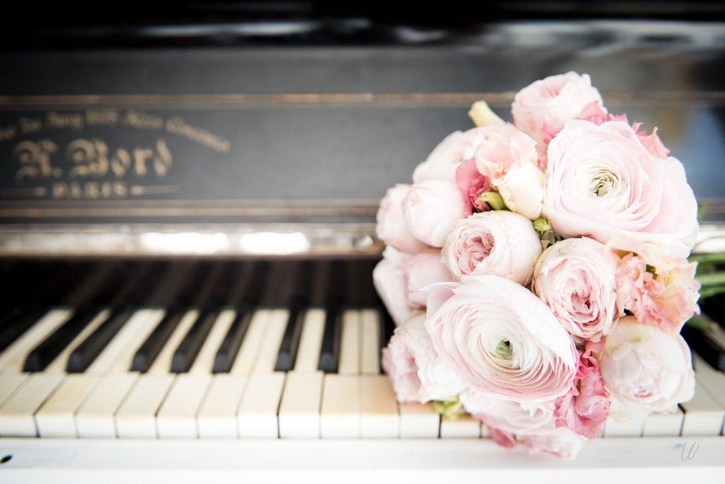 Les accessoires de ma tenue de mariée : mon bouquet // Photo : Lucie Nicolas Photographe