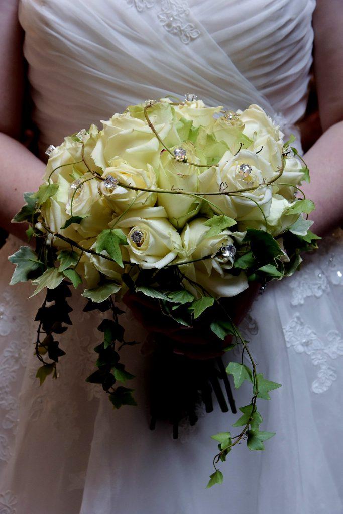 La mise en place de notre déco la veille du mariage // Photo : Vincent Andreoli