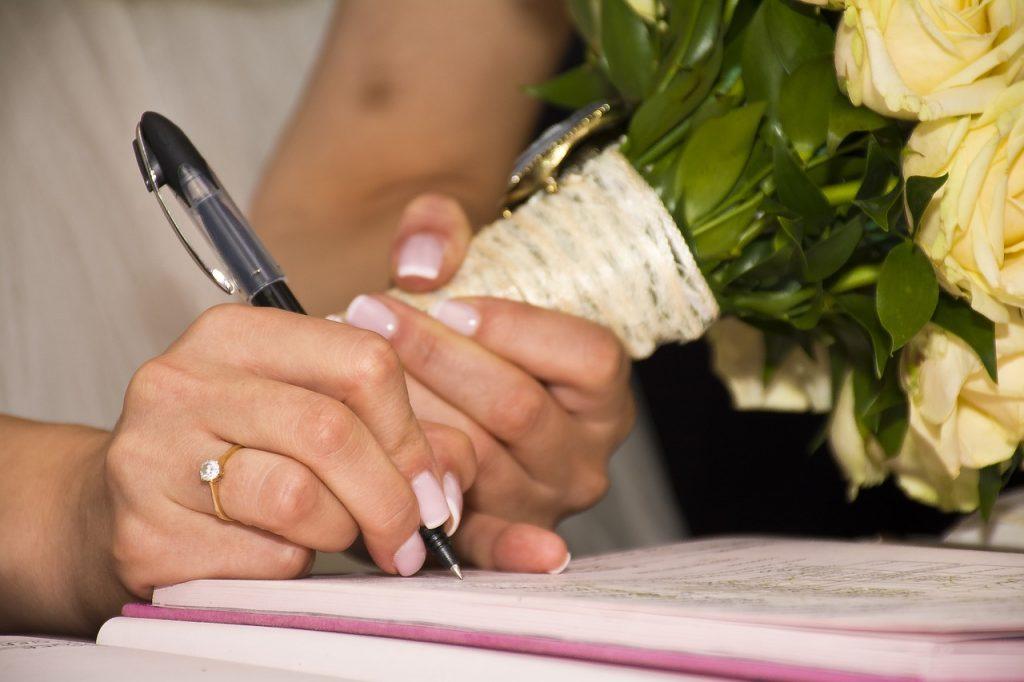 Changer de nom après le mariage
