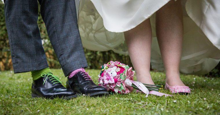 Le mariage d'Estelle, expatriée du Pays de Galles, en vert et liberty