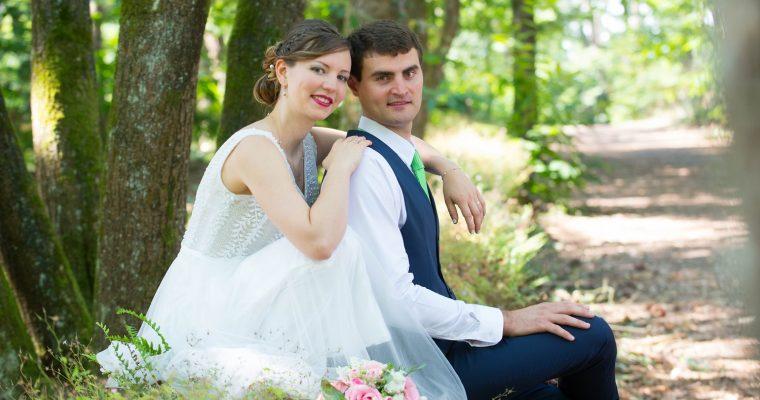 Le mariage franco-moldave de Mme Canoë, sur le thème «rivière»