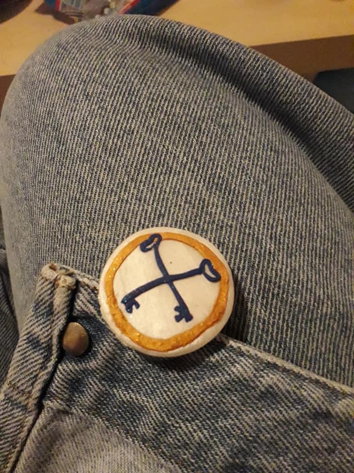 DIY : des badges en pate fimo pour notre wedding-team