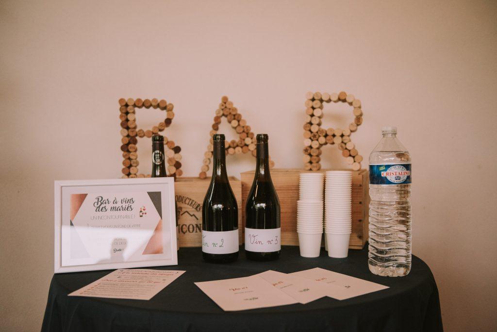 Un bar à vins pour l'animation de notre mariage // Photo : Sara Cuadro