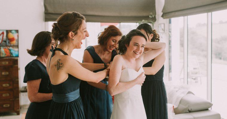 Mon mariage végétal d'automne au Pays Basque : dans l'intimité de la mariée, entre grosse fatigue, moments complices et excès de laque
