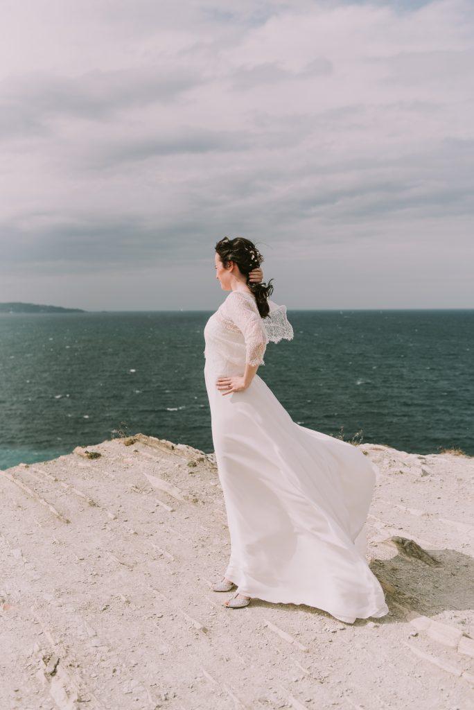 Nos photos de couple le jour du mariage sur la côte Basque // Photo : Sara Cuadrado