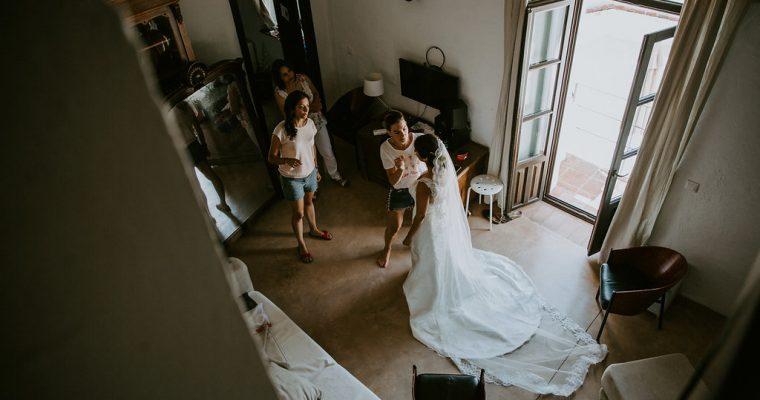 Mon mariage multi-culturel en Andalousie : quand les mariés s'habillent