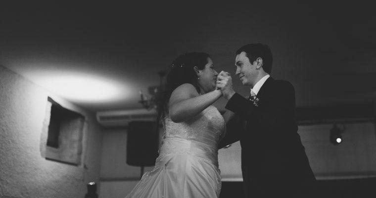 Mon mariage entre traditions et harmonie: dansons, dansons mes amis