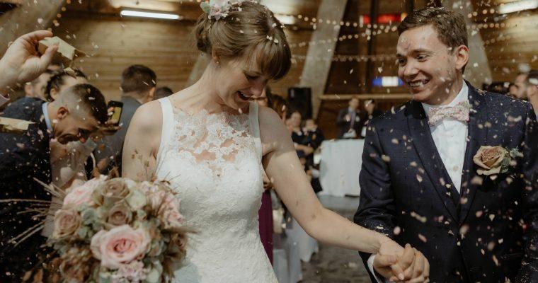 L'élégant mariage d'Audrey en bleu marine, rose poudré et doré